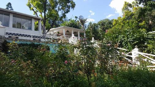 Caribe Caribe Lodge - Pietermaritzburg - Näkymät ulkona