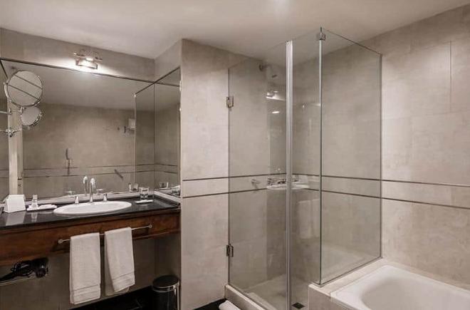 外交酒店 - 曼多薩 - 門多薩 - 浴室