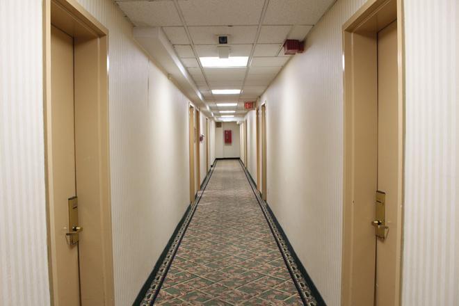 Jfk Inn - Queens - Hallway
