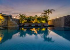 The Grand Cyclo Boutique Suite & Spa - Siem Reap - Basen