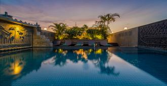 The Grand Cyclo Boutique Suite & Spa - Ciudad de Siem Riep - Piscina