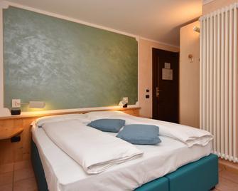 Hotel Negritella - Ziano di Fiemme - Bedroom