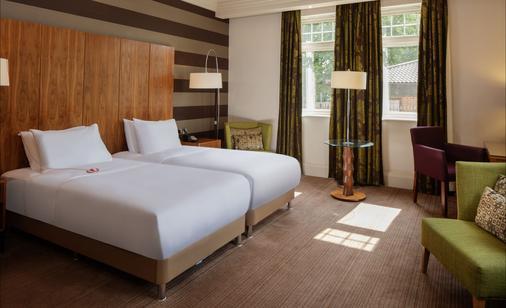 DoubleTree by Hilton Stratford-upon-Avon - Stratford-upon-Avon - Bedroom