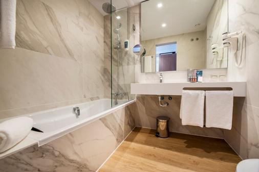Occidental Vigo - Vigo - Bathroom
