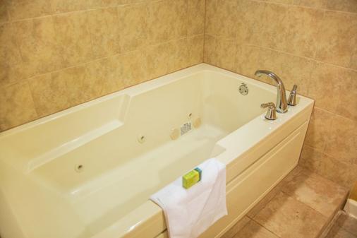 Silver Lake Resort - Kissimmee - Bathroom
