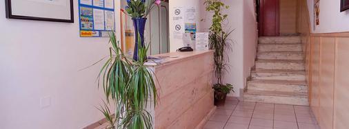 Hotel Don Quijote - Ibiza - Front desk