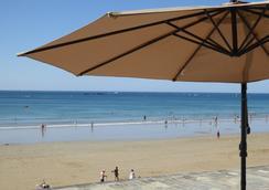 Hotel Kyriad Saint Malo Plage - Saint-Malo - Beach