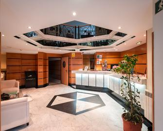 Hotel Astures - Oviedo - Recepció