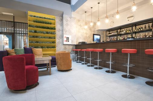 Beton Brut Resort - Anapa - Bar