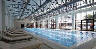 Beton Brut Resort - Anapa - Pool