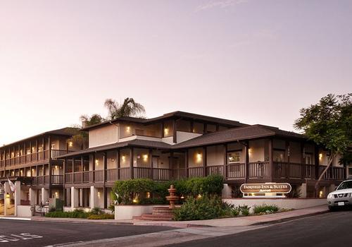 Fairfield Inn Suites San Diego Old Town 81 2 6 6 San Diego Hotel Deals Reviews Kayak