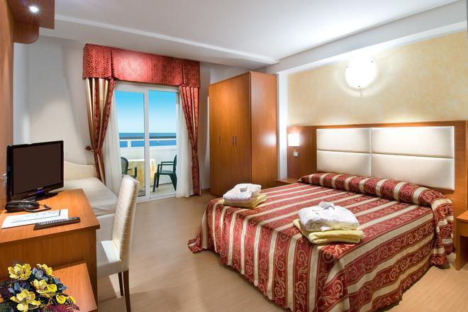 Strand Hotel Colorado - Lido di Savio - Bedroom