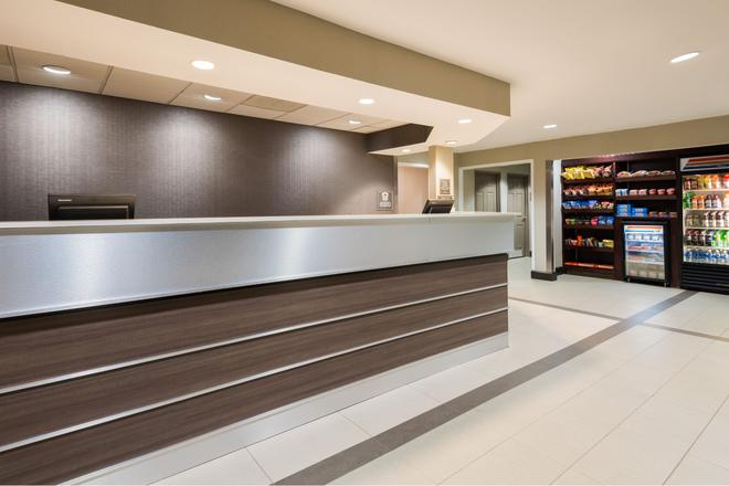 Residence Inn by Marriott Tallahassee North/I-10 Capital Circle - Tallahassee - Front desk