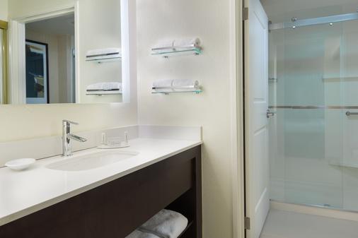 เรสซิเดนซ์อินน์ แทลลาแฮสซีนอร์ท/I-10 แคปิตอลเซอร์เคิล - ทัลลาฮัสซี - ห้องน้ำ
