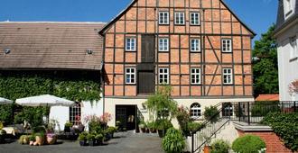 布呂爾羅曼蒂克酒店 - 奎德林堡 - 建築