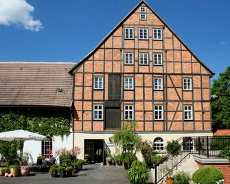 Romantik Hotel Am Brühl - Кведлінбург - Building