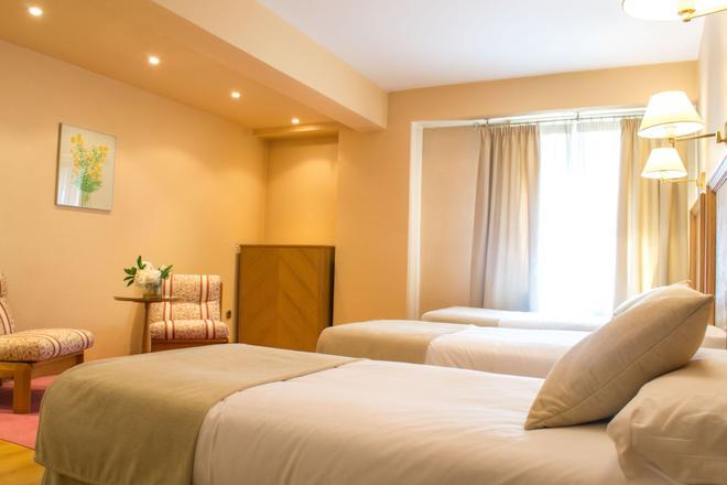 Hotel Almirante Bonifaz - Burgos - Bedroom