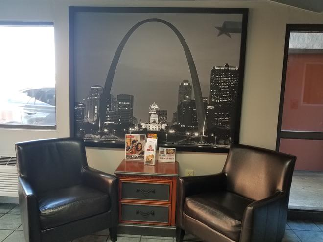 Americas Best Value Inn St. Louis Downtown - St. Louis - Lobby