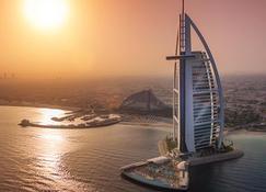 卓美亞帆船酒店 - 杜拜 - 建築