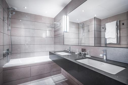 巴爾莫勒爾酒店 - 香榭麗舍大道 - 巴黎 - 巴黎 - 浴室