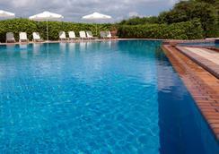 迪凡尼科孚宮酒店 - 科孚島 - 科孚 - 游泳池