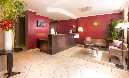 Europe Hotel Paris Eiffel - Paris - Front desk