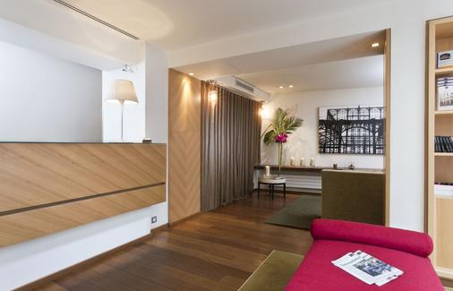 勒克里希酒店 - 巴黎 - 巴黎 - 櫃檯