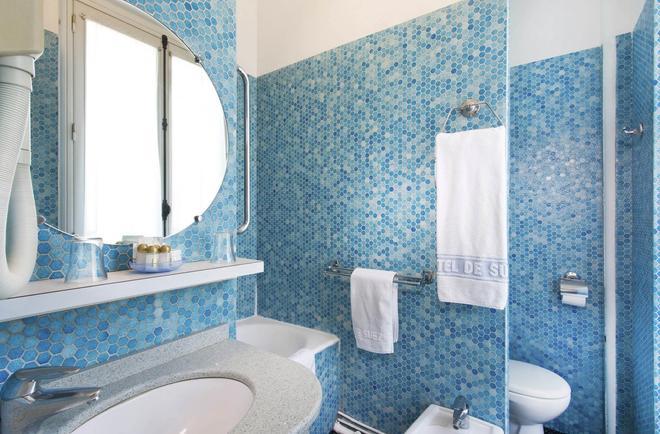 Hotel De Suez - Paris - Bathroom