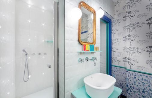 Hôtel Crayon Rouge by Elegancia - Paris - Bathroom