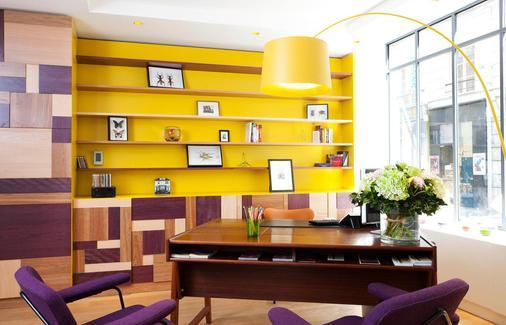 Hotel Crayon By Elegancia - Paris - Front desk