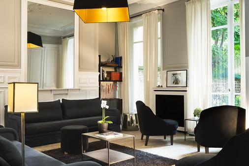 Hotel Le Jardin de Neuilly - Neuilly-sur-Seine - Living room