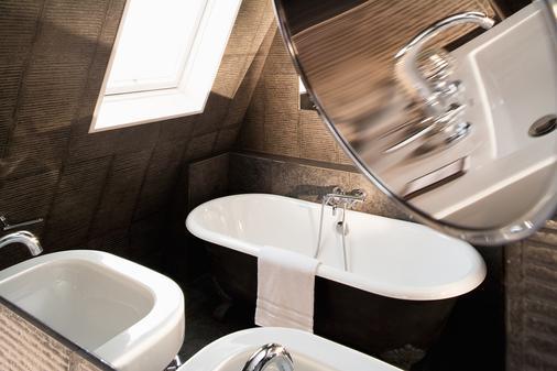 Hotel Le Jardin de Neuilly - Neuilly-sur-Seine - Bathroom