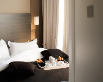 Hotel Le Jardin de Neuilly - Нёйи-сюр-Сен - Спальня