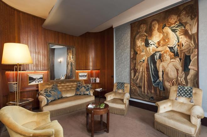 Hotel du Quai Voltaire - Paris - Living room