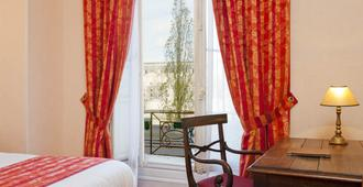 Hotel du Quai Voltaire - Paris - Phòng ngủ
