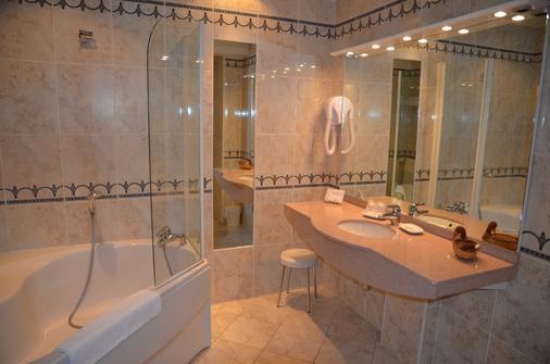 戴斯萊姆帕斯酒店 - 波恩 - 博恩 - 浴室