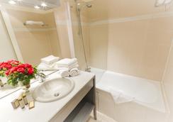 Hôtel Champerret Héliopolis - Paris - Bathroom