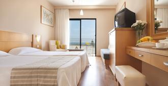 路易斯法同海灘酒店 - 基羅斯奇普 - 帕福斯