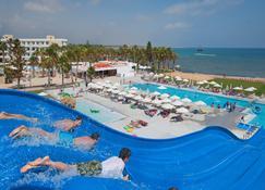 路易斯法同海灘酒店 - 基羅斯奇普 - 帕福斯 - 游泳池
