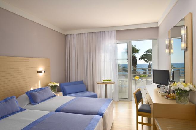 Louis Ledra Beach - Paphos - Bedroom