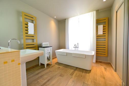 Le Château d'audrieu - Caen - Bathroom