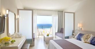 Louis Imperial Beach - Pafos