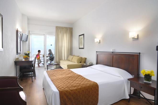 Primasol Louis Ionian Sun - Corfu - Bedroom
