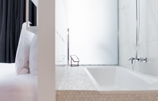 1er Etage Opera - Paris - Bathroom