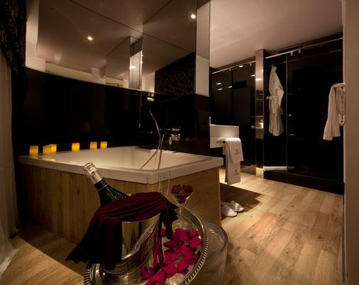 Anba Boutique - Barcelona - Bathroom