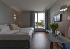 Hotel Atrium - Suresnes - Schlafzimmer