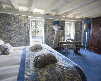 Château de Mercuès - Mercues - Bedroom