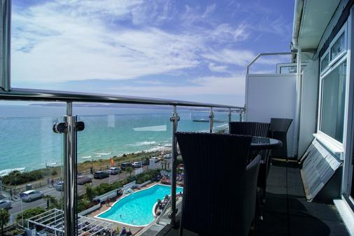 Suncliff Hotel - Oceana Collection - Bournemouth - Parveke