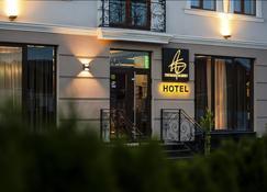 Thomas Albert Hotel - Chisinau - Bygning