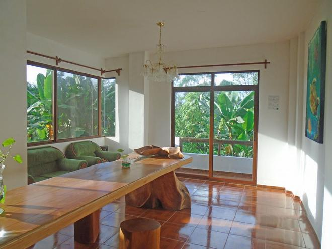Casa Natura Galapagos Lodge - Puerto Ayora - Living room
